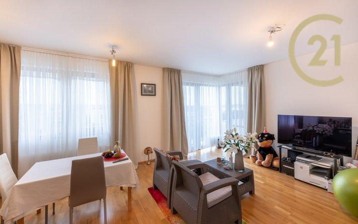byt 4+kk/B, novostavba, 102m²+2 garážová stání+sklep, Praha Žižkov/Hrdlořezy, ZELENÉ MĚSTO II