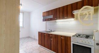Prodej bytu 3+1/L, 72 m2, Kladno