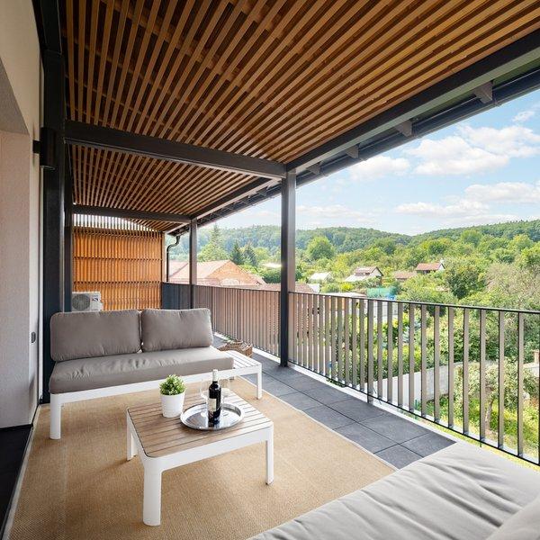 Luxusní byt 4+KK, terasa 34 m2 + 2 x parkovací stání