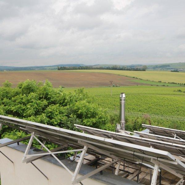 Prodej  RD  Viničné Šumice s nádherným výhledem do krajiny s garantovaným výnosem z fotovoltaické elektrárny