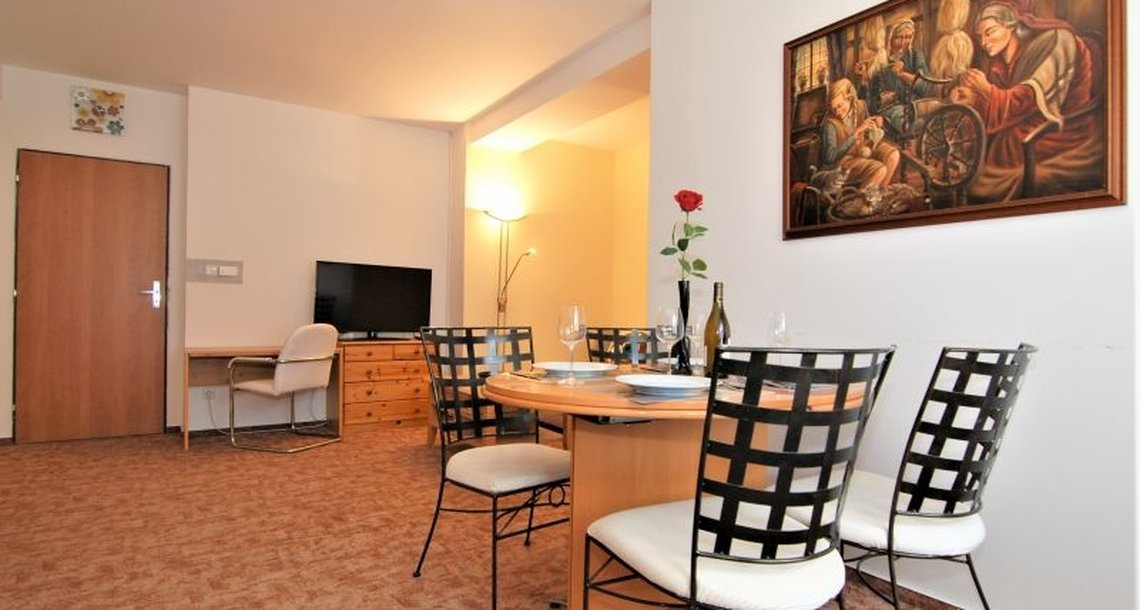 AP1 Obývací pokoj s jídelnou