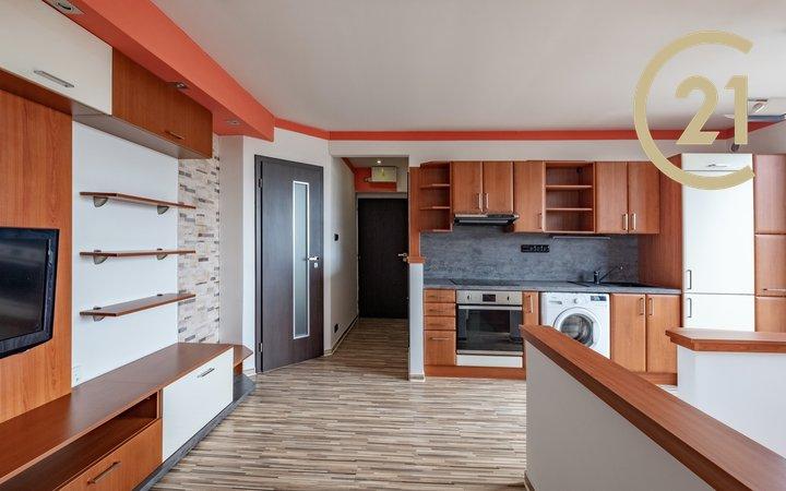 Prodej bytu 1+kk 30 m2 s velkou terasou a krásným výhledem,  Praha - Košíře