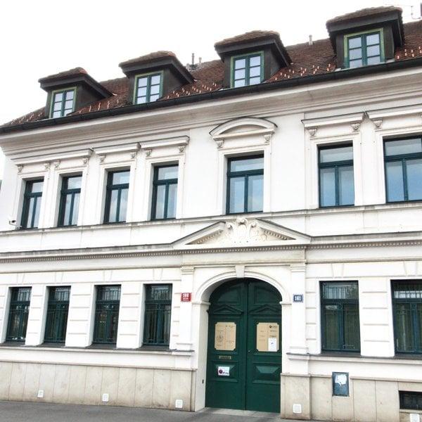 Pronájem kanceláře 30m² u Břevnovského kláštera