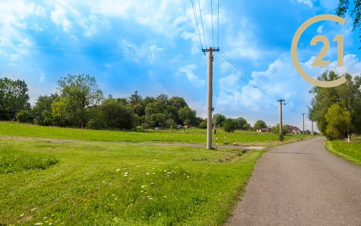 Prodej stavební parcely s novou vodovodní přípojkou, 1035m2, Frenštát p.R.