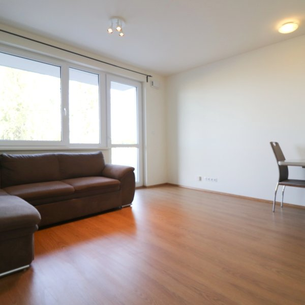 Prodej bytu 1+kk, 37m², s balkonem a parkovacím stáním - Horoměřice