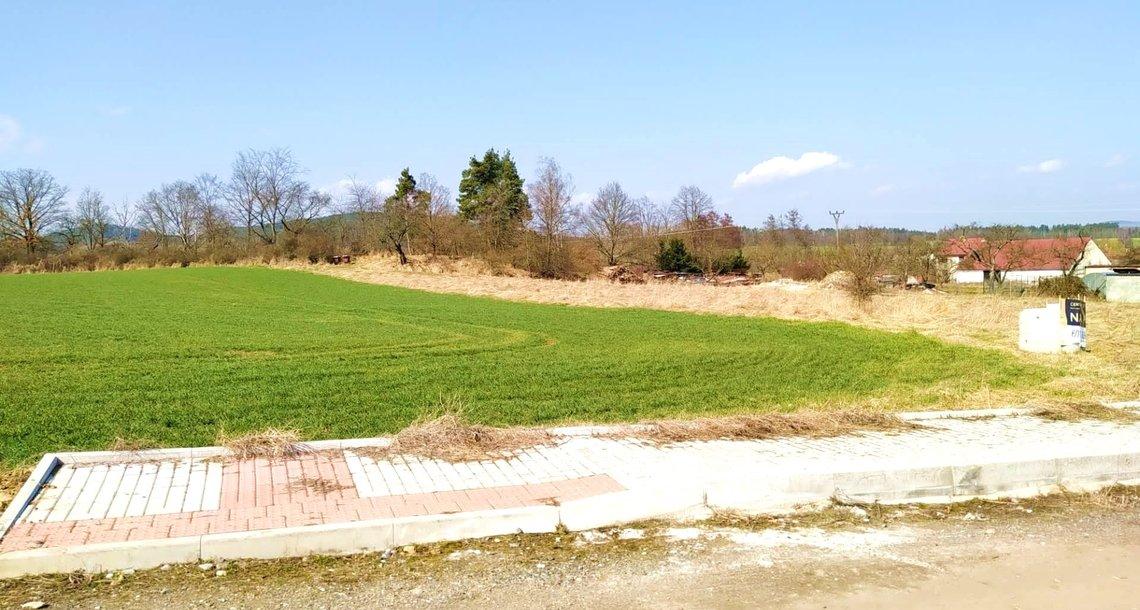 prodej-pozemky-pro-bydleni-3724m2-strakonice-sousedovice-img-20210326-111516-a4f7d5 (1)