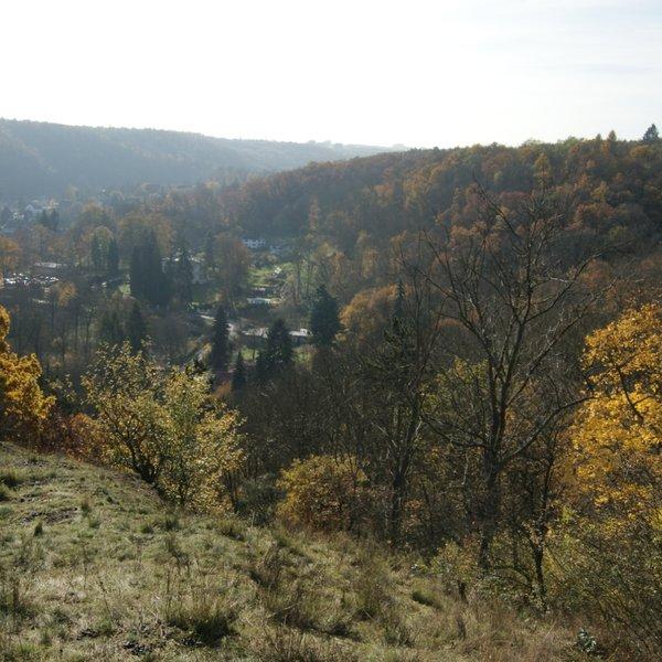 pozemek vhodný k výstavbě jednoho či dvou domů, 1400m2, Šárecké údolí