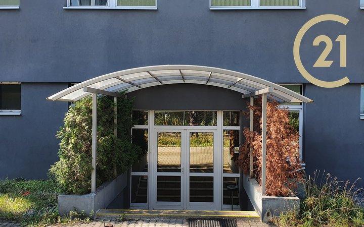 Pronájem prostor s individuálním využitím cca 400 m²