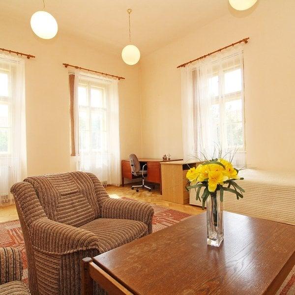 Pronájem bytu 1+1, 44 m²,  Praha - Vinoř
