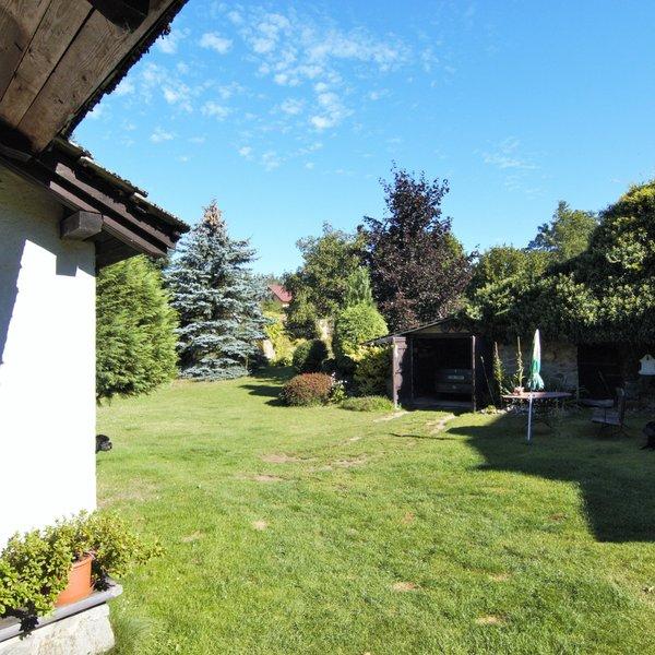 Prodej venkovského stavení s velkou zahradou v obci Litichovice.