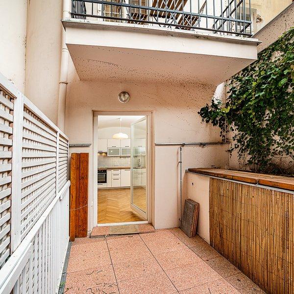 Prostorný byt 1+kk (35,7 m2) s terasou, Šimáčkova, Praha 7