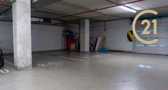 Pronájem garážového stáni 11m² Praha - Strašnice