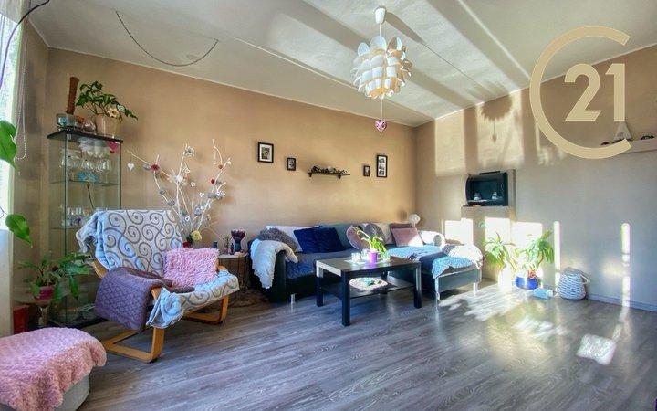 Krásný a slunný byt 5+1 92m2 OV, v centru Slaného s lodžií