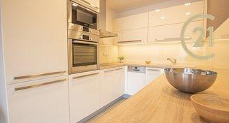 Prodej byt 2+KK U Leskavy s garážovým stáním