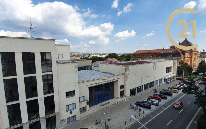 Pronájem bytu 3+1 se 2 balkony, Kounicova, Brno