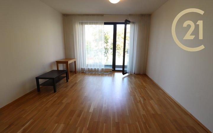 Pronájem 1+kk/L v Rezidenci Korunní, Orionka, Praha - Vinohrady