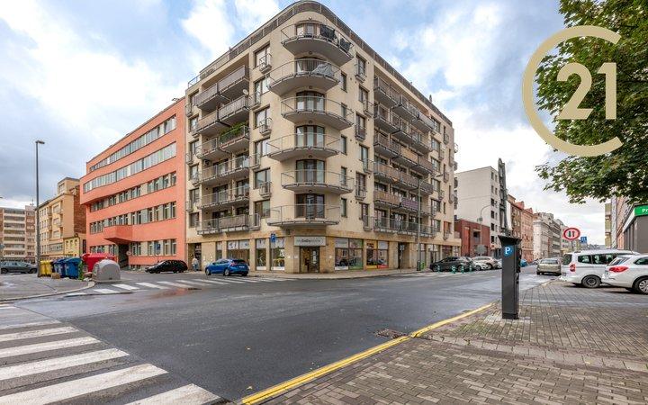 novostavba 3+kk, 94m2+/2T (17m2), garážové stání, Praha - Libeň, výhled, vlak/metro/TRAM, park