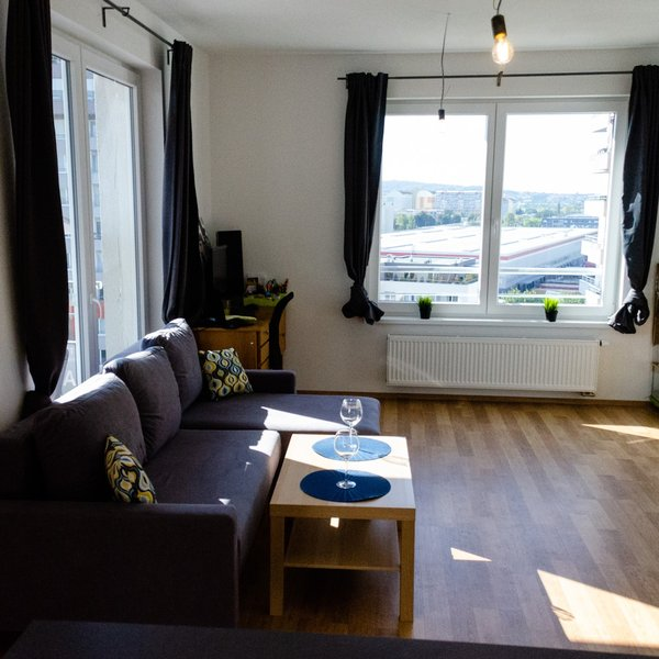 Prodej bytu 2+kk, 66m² s garáží, ul. Kadečkové, Praha - Letňany