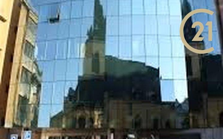 Pronájem kanceláří Soukenická 1.patro 518,34m2/ Klimentská 1.patro 257,42m2, možnost  dělení kanceláří na menší celky