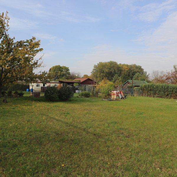 Investiční příležitost, prodej pěkné zahrady v osadě u rybníka Jordán, Odolena Voda