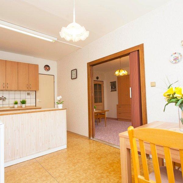 Prodej slunného bytu 3+1, 72,9 m2, dvojgaráž, Průhonice u Prahy