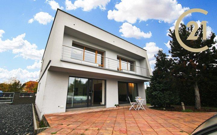 RD 5+1/B, 1 046 m2, obytná plocha 155 m2, Lysá nad Labem