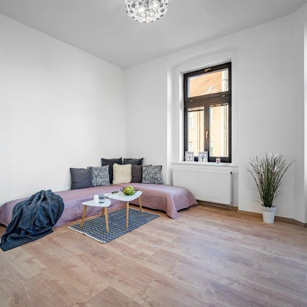 Prodej moderního bytu 2+kk s balkónem v centru Chrudimi, Novoměstská