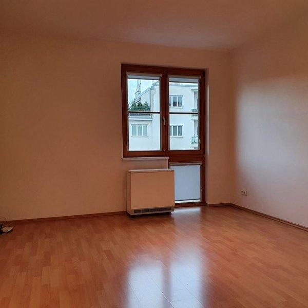 Pronájem bytu 1+kk s GS, 32 m2, OV, Praha 6 - Břevnov