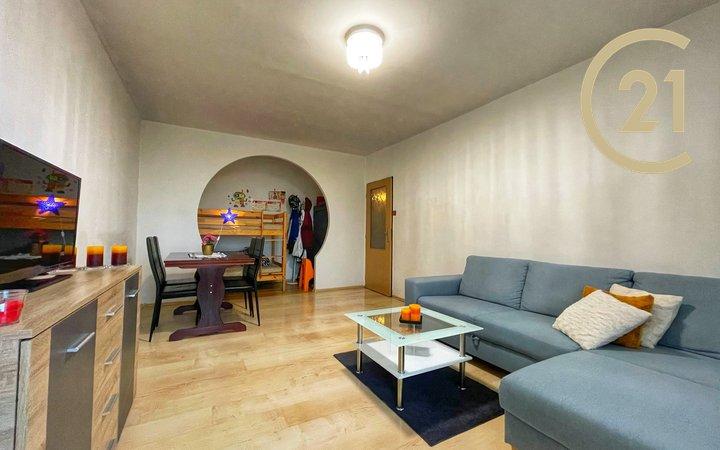 Krásný a prostorný byt 3+1 84m2 s lodžií v OV, Praha 11