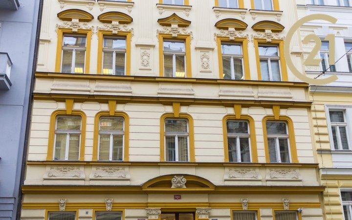 Pronájem kanceláře 72m2 v ulici Wenzigova – Praha 2
