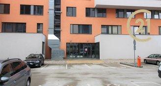 Pronájem vnějšího parkovacího stání, Pardubice, Rokycanova
