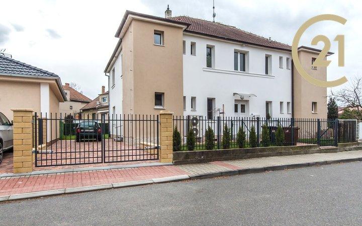 Prodej bytu 2kk 53m2 se zahrádkou 132m2 v ulici 9. Května Hostavice - Praha 14