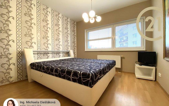 Pronájem, byt 3+kk, 73m² plus terasa, parkování, centrum