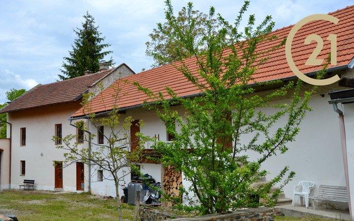 Prodej bývalého statku v obci Debrno, Kralupy Nad Vltavou