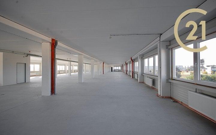 Pronájem variabilních prostor, 882 m², Plzeň - Skvrňany
