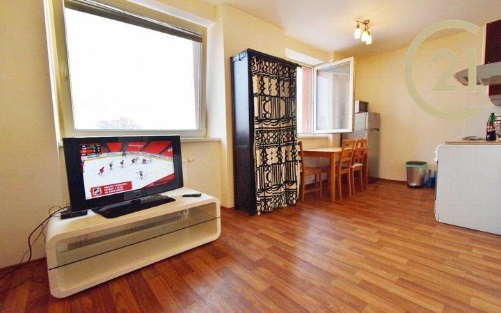 Pronájem bytu 1+kk, 36 m² , ul. Tkalcovská 3, Brno