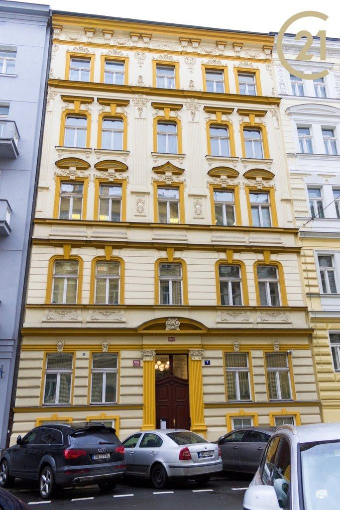 Pronájem kanceláře 52m2 v ulici Wenzigova – Praha
