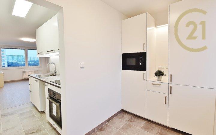 prodej bytu 2+KK po kompletní rekonstrukci, Roudnická, Střížkov
