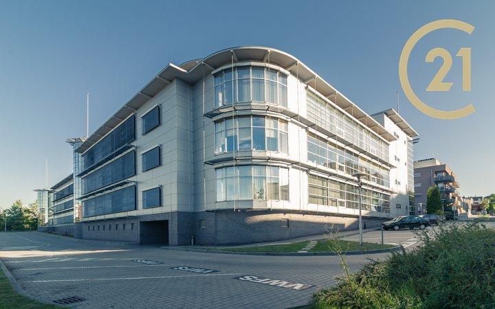 Pronájem kancelářských prostor ve výhodné lokalitě Praha 5 Jinonice, 300-3500 m2, cena 10.50 Eur/m2/měsíc