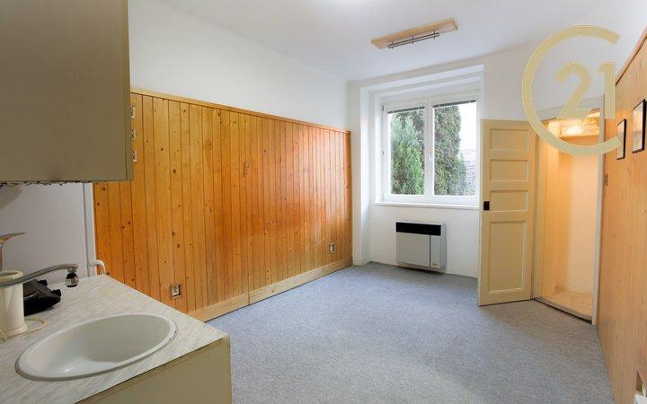 Prodej bytu 1+kk, 20 m2,  Praha 2 - Vinohrady