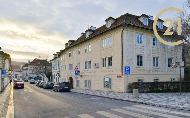 Prodej, byt 3+kk, P-1 Malá Strana - Valdštejnská