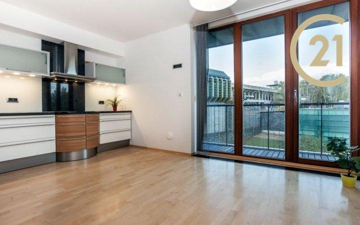 Moderní byt 4+1/B, 150 m2, P6 - Břevnov