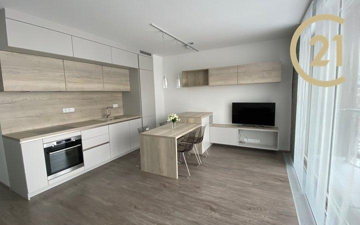 Pronájem nového kompletně zařízeného bytu 2+kk 53m2 s terasou 6m2