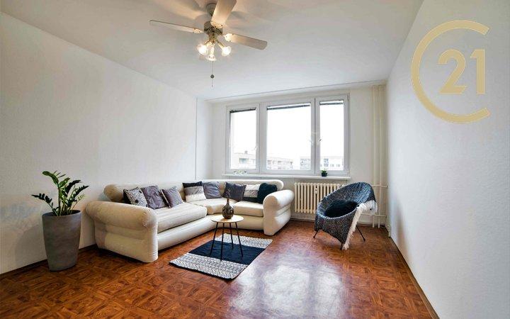 Pronájem bytu 3+kk 63 m² s lodžií