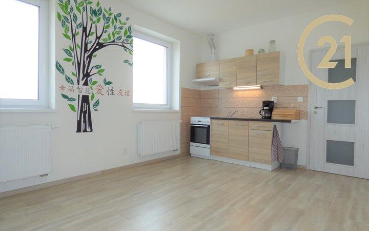 Pronájem bytu 1+kk, 24m2, Záříčí u Kroměříže