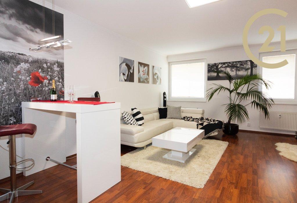 Pronájem bytu 2+kk, 65m² na Stodůlkách