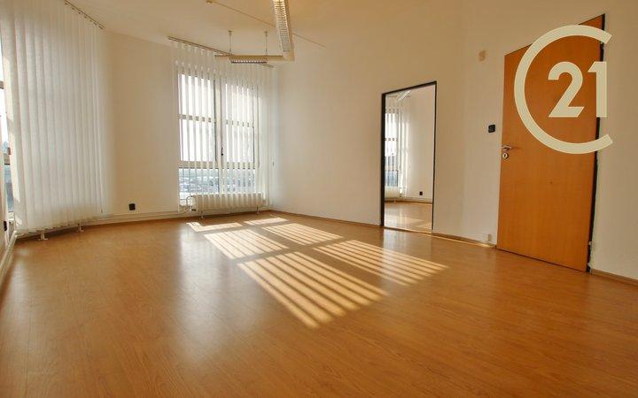 Dvě slunné kanceláře 40 m2, Olomoucká - Brno