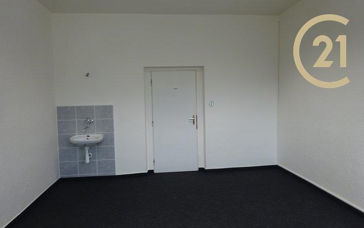 Pronájem, kanceláře, 22 m² - Zlín - Prštné