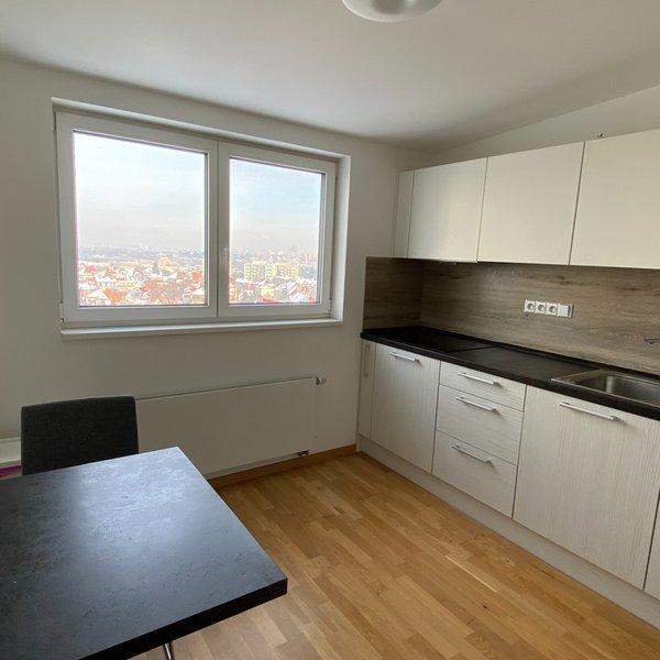 Pronájem bytu 3+1, 68m² u metra Kačerov,