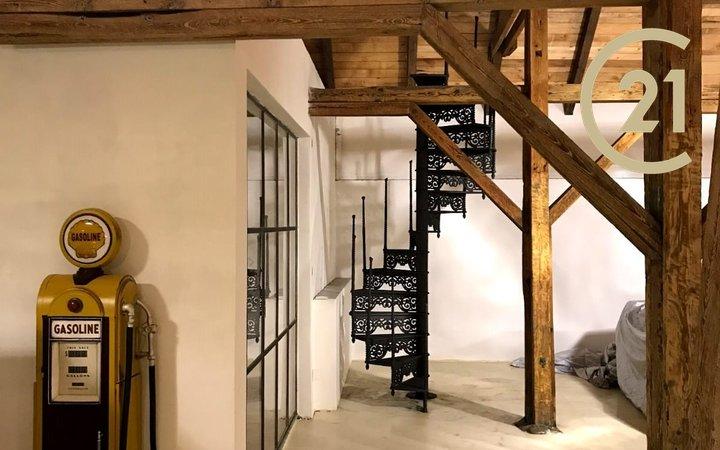 """Prodej obchodních prostor ve stylu """"Genius loci"""", 1207 m² nedaleko Poděbrad"""